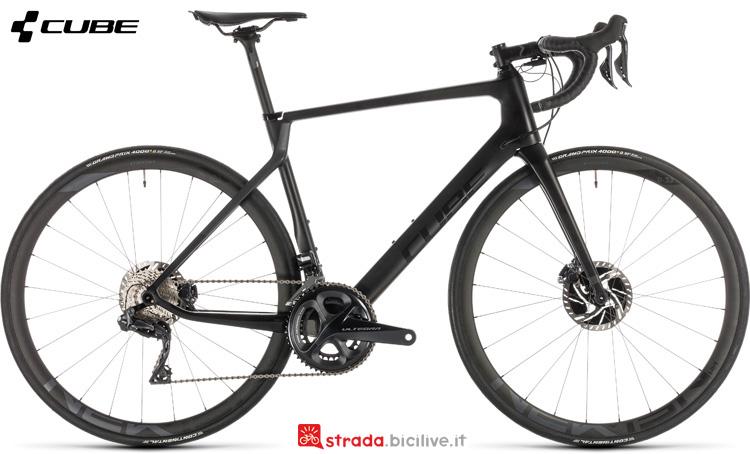 Una bicicletta da strada Cube Agree C:62 SLT Disc anno 2019