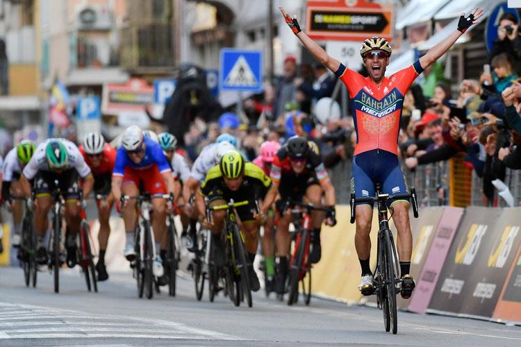 vittoria allo sprint di Vincenzo Nibali