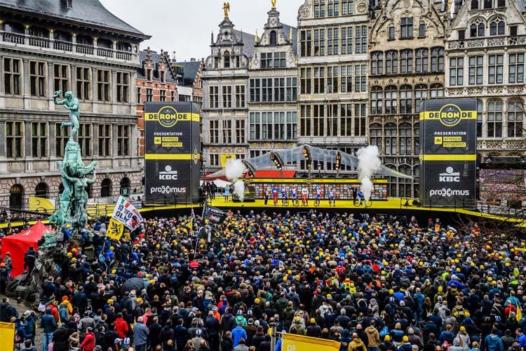 pubblico durante la premiazione del Giro delle Fiandre