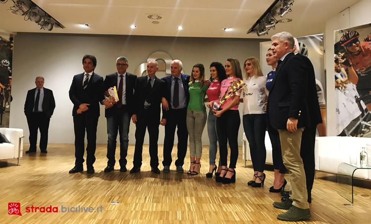 Un momento dalla presentazione del Giro Rosa 2019