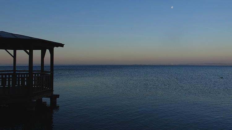 vista dell'alba su lago di garda durante la randonee 2019