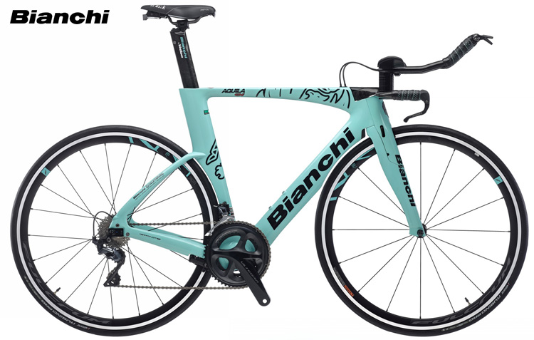 Una bici da crono e triathlon Bianchi Aquila CV
