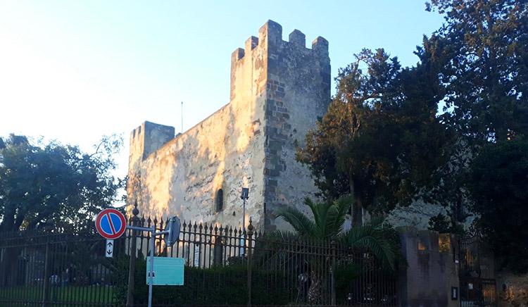 Castello di Sanluri durante il giro del lago flumendosa