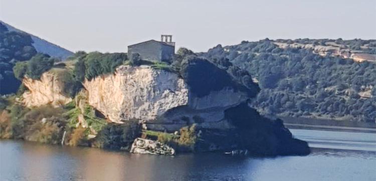 Lago Is Barroccus, Isili