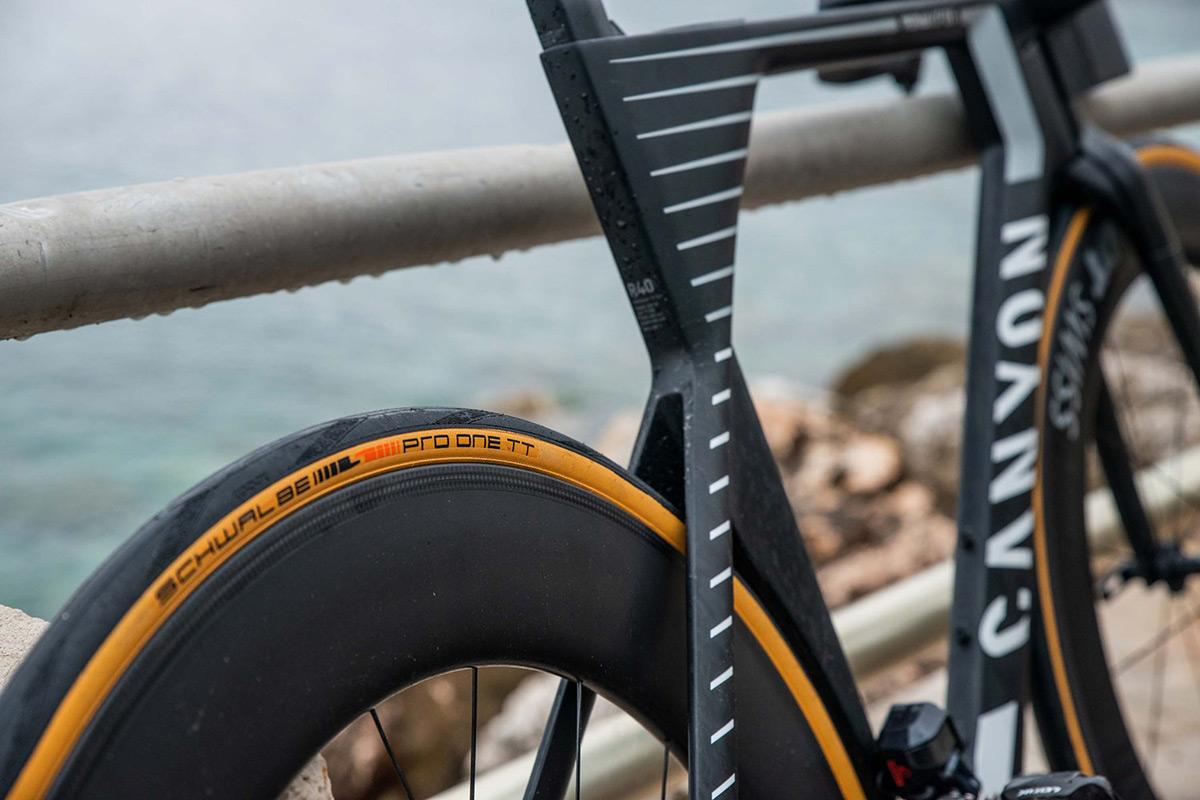 Schwalbe Pro One montati su una bici da strada