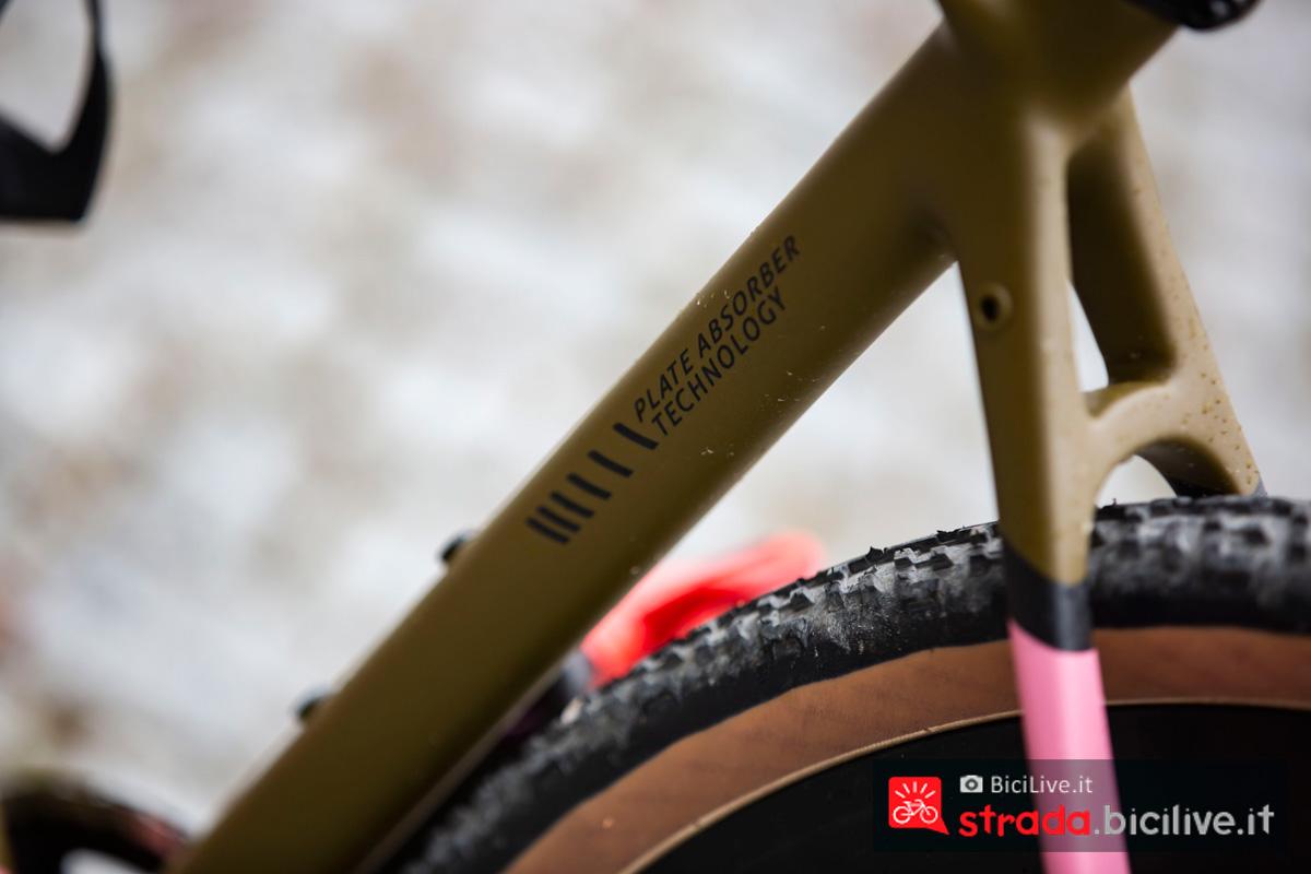 La tecnologia Plate Absorber Technology sulla bici Titici Flexy F-GR02