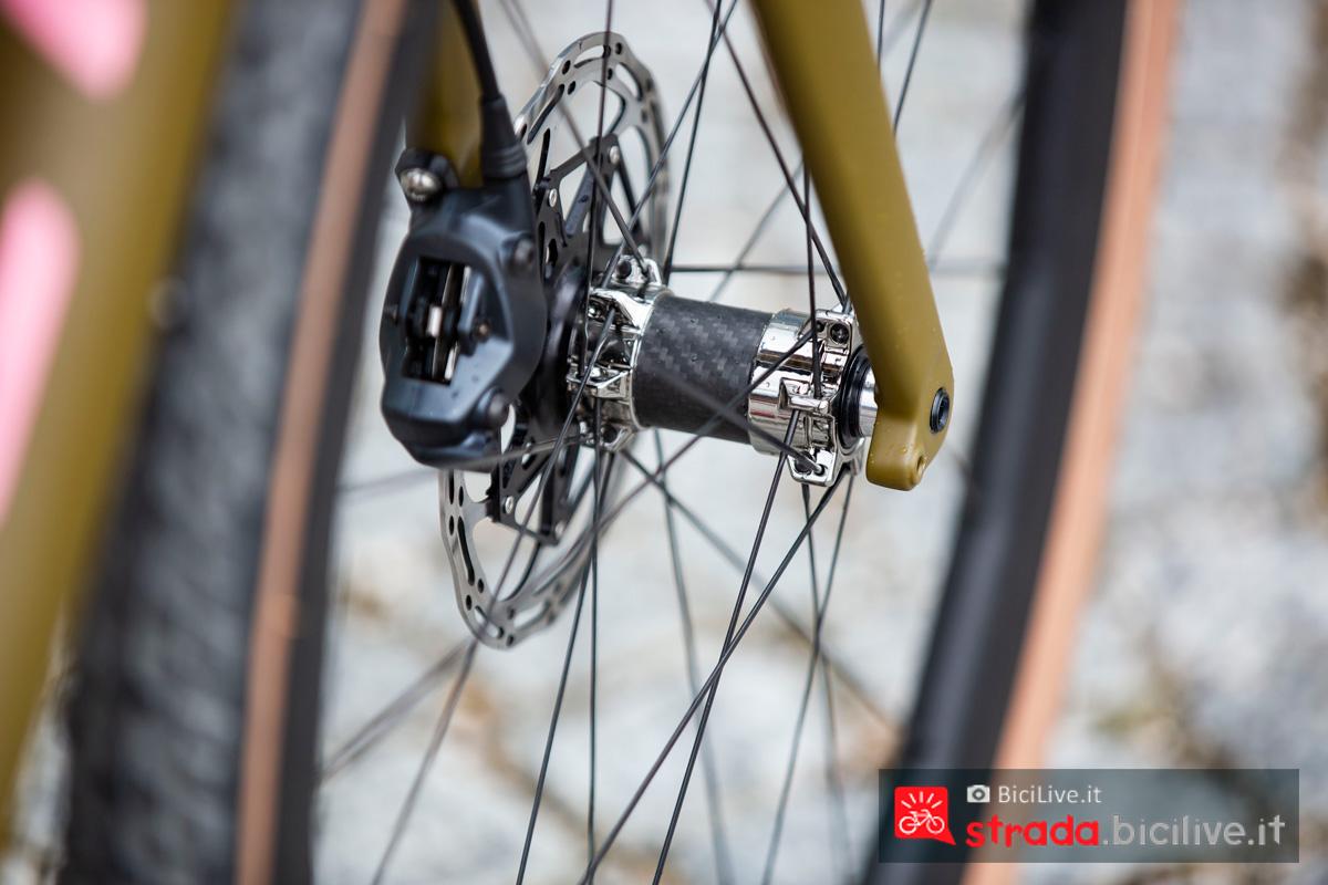 Un dettaglio della bici da gravel Titici Flexy F-GR02 2020