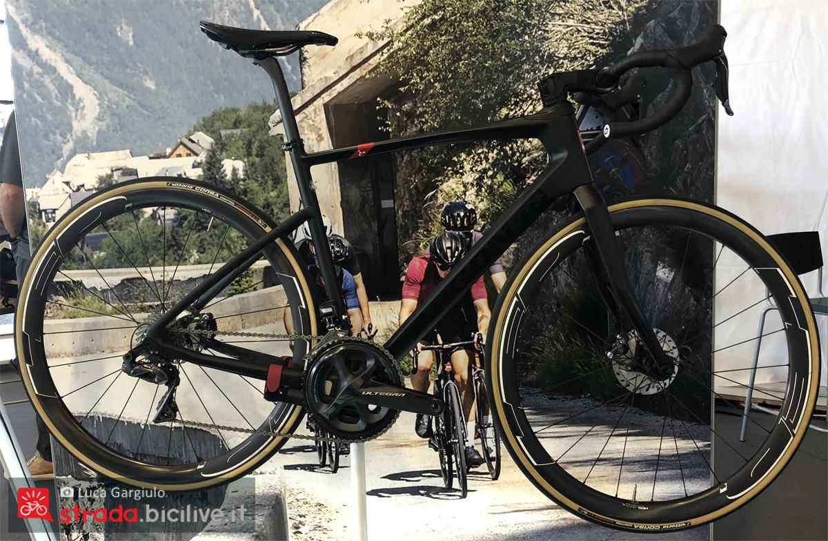 Una bicicletta da corsa Argon 18 Kripton Pro in esposizione alla fiera Eurobike