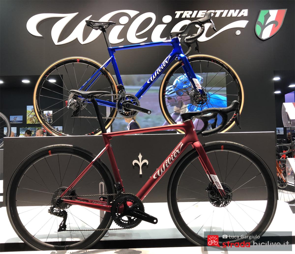 Due biciclette da corsa Wilier Triestina in esposizione