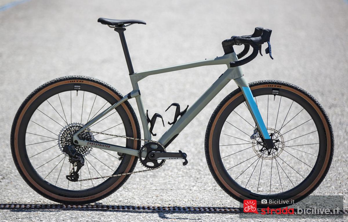 Una bicicletta da gravel BMC URS 2020