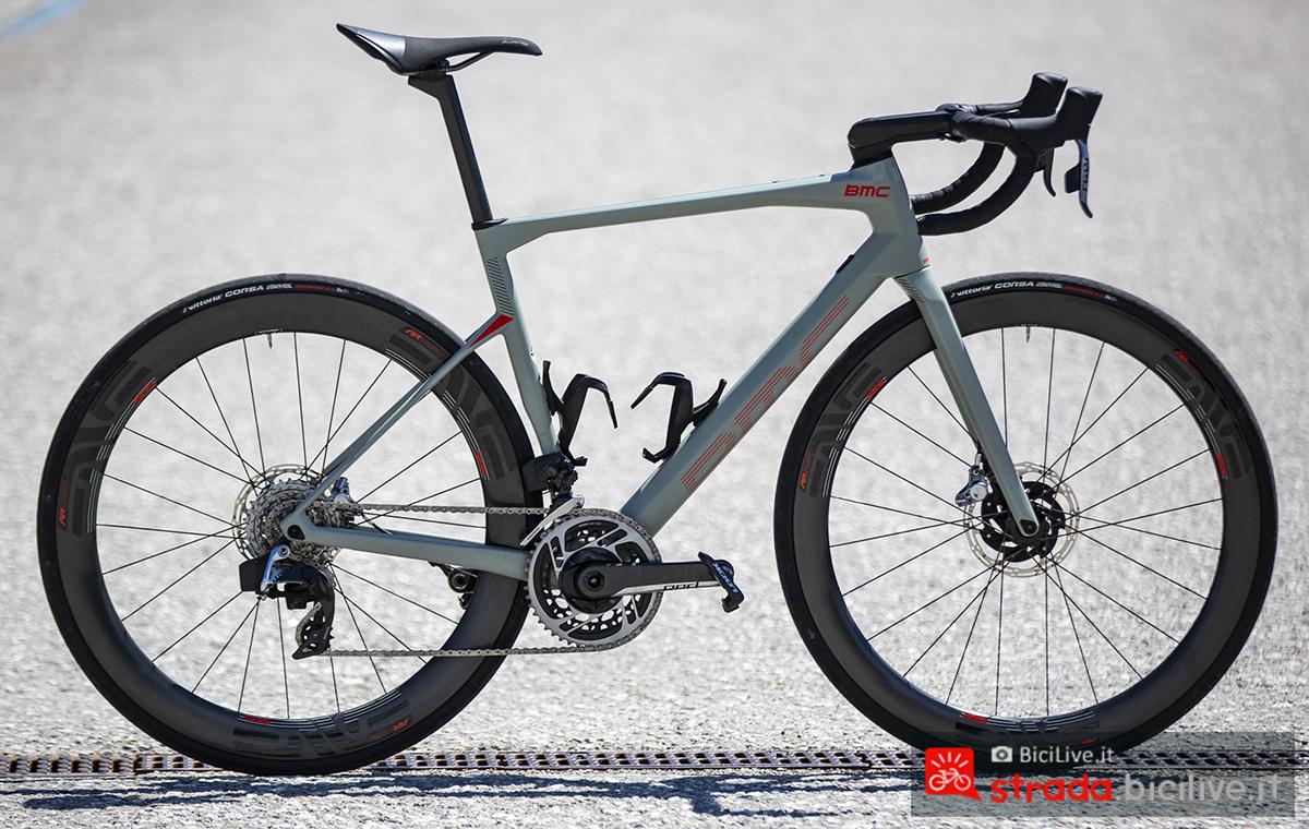 La bici della BMC Roadmachine 2020