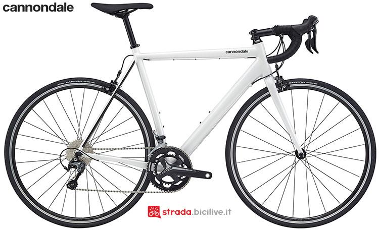 La bici Cannondale CAAD Optimo Tiagra 2020