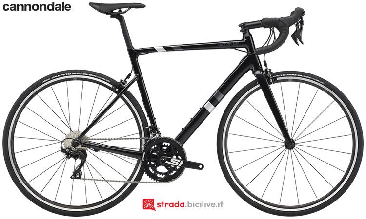 La bici Cannondale CAAD13 105 2020