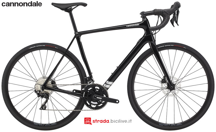 La bici Cannondale Synapse Carbon 105 2020