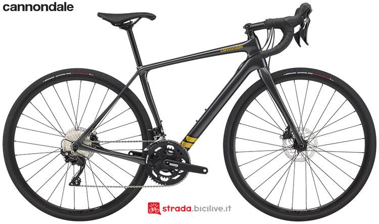 La bici Cannondale Synapse Carbon Women's 105 2020