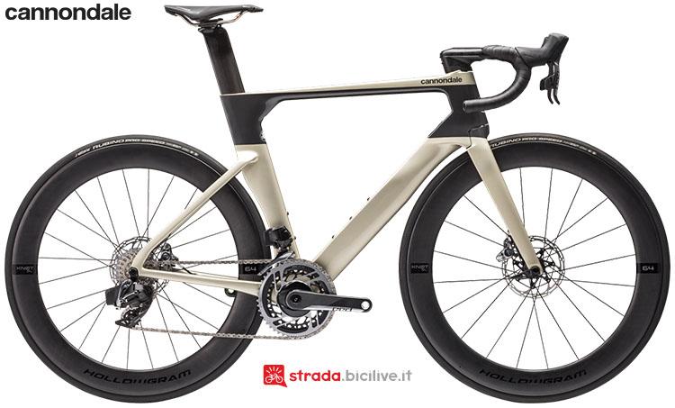 La bici Cannondale SystemSix Hi-Mod Red eTap AXS