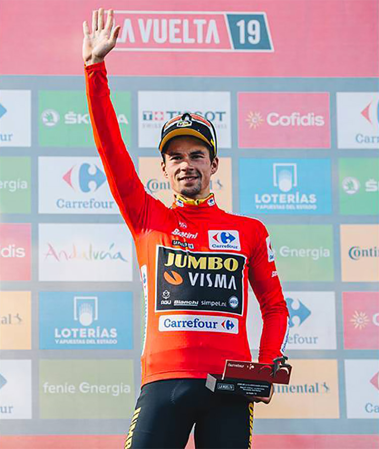 Primoz Roglic in maglia rossa alla Vuelta 2019