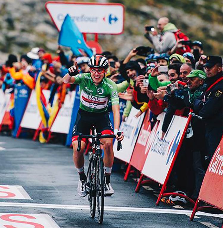 Tadej Pogacar vince la tappa 20 della Vuelta 2019