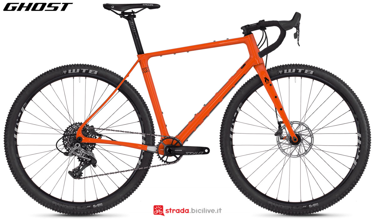Una bici Ghost Fire Road Rage 6.9 LC U 2020