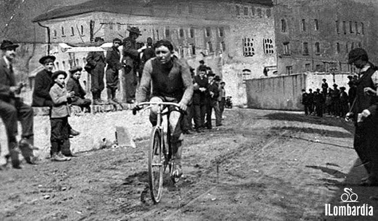 Il corridore Giovanni Gerbi vince la prima edizione del Giro di Lombardia