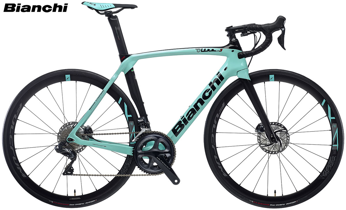 Una bicicletta da corsa della piattaforma Bianchi Oltre XR.3 Disc 2020