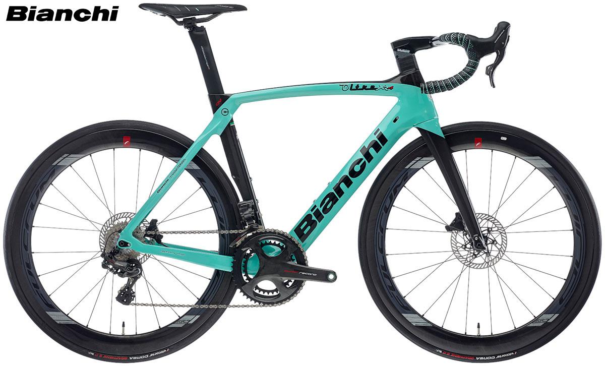 Una bicicletta da corsa Bianchi Oltre XR.4 Disc gamma 2020
