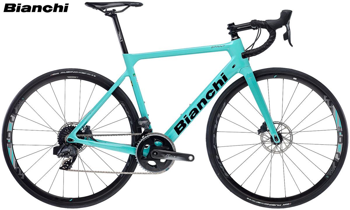 Una bici da strada Bianchi Sprint Disc gamma 2020