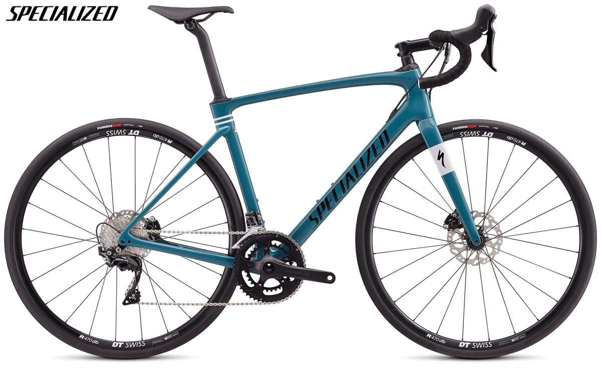 Una bicicletta da strada Specialized Roubaix Sport con trasmissione Shimano 105