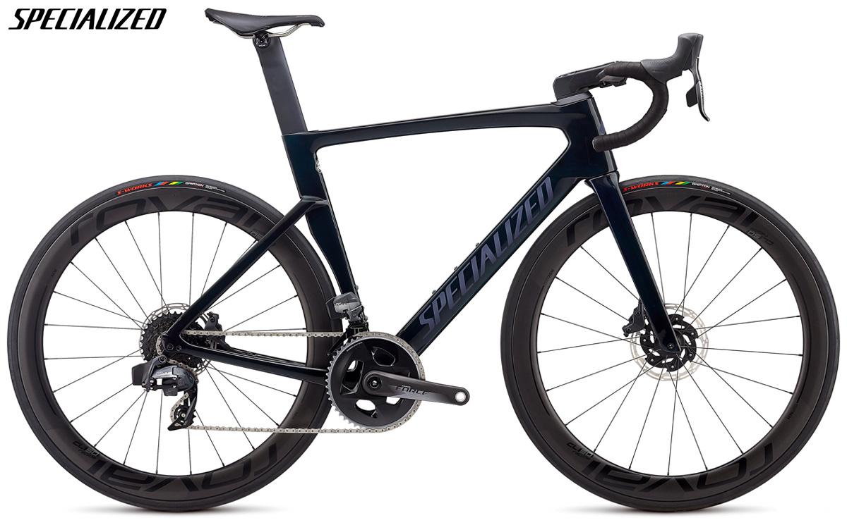 Una bici da corsa Specialized Venge Pro Disc con trasmissione SRAM Red eTap AXS