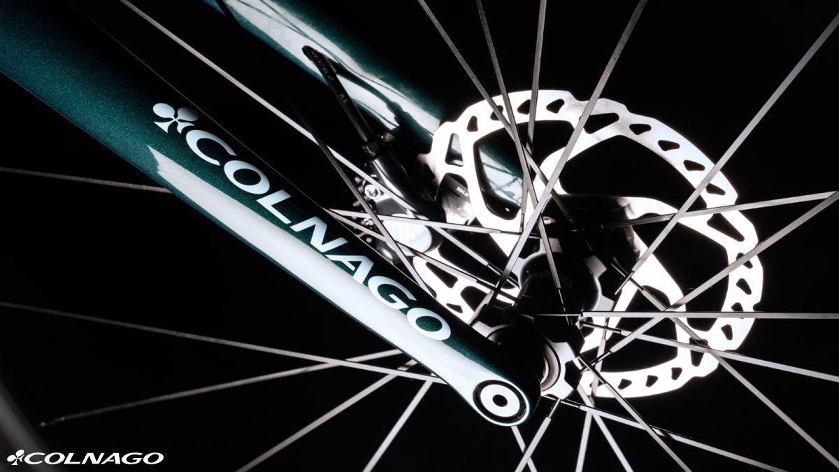La bici Colnago G3x con incorporati freni a disco idraulici 2020