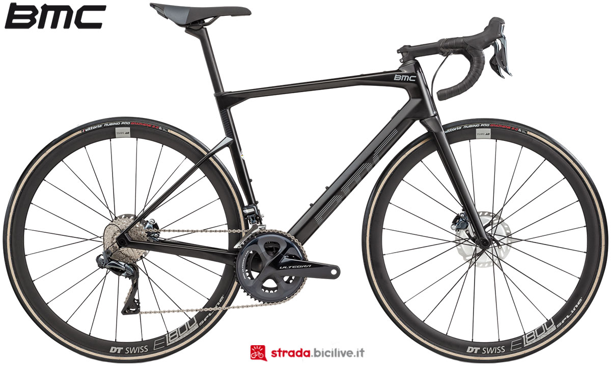 Una bici BMC Roadmachine 02 One 2020