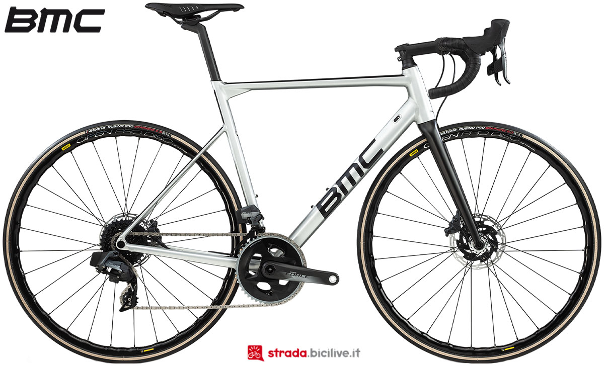 Una bici BMC Teammachine ALR Disc One 2020