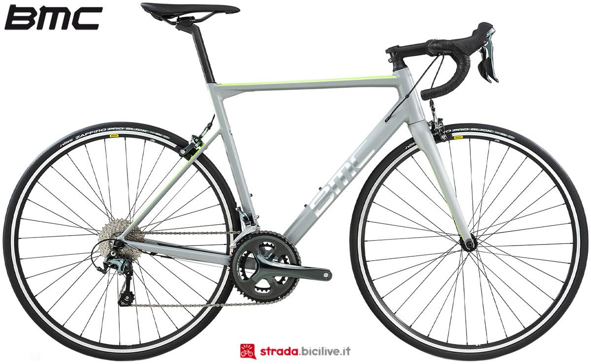 Una bici BMC Teammachine ALR Two 2020
