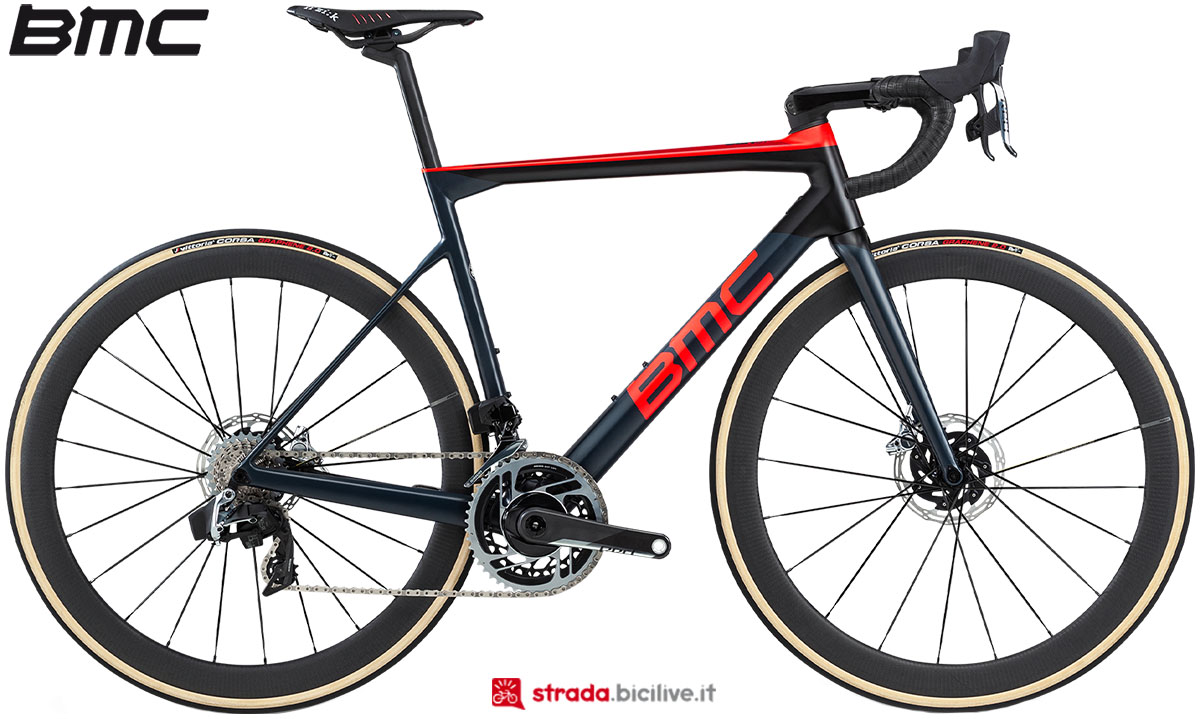 Una bici BMC Teammachine SLR01 Disc One 2020