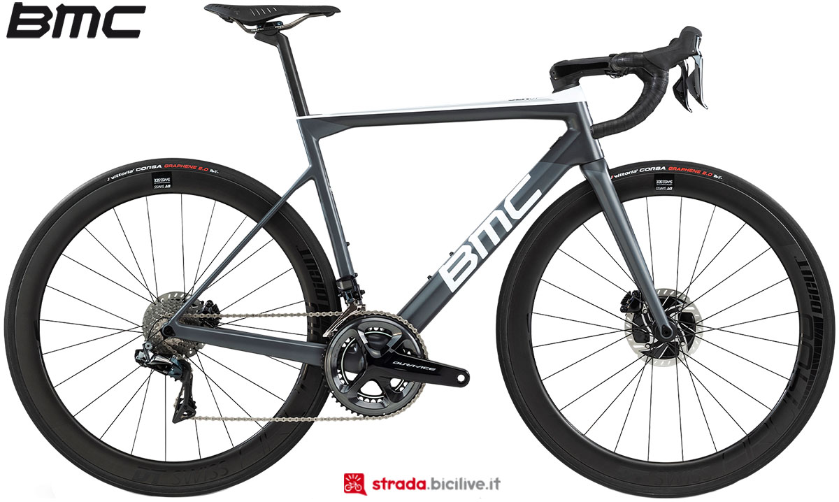 Una bici BMC Teammachine SLR01 Disc Two 2020