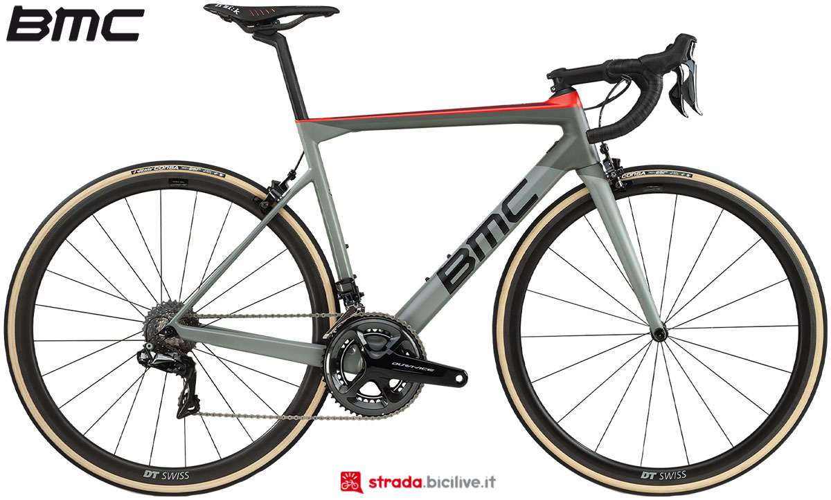 Una bici BMC Teammachine SLR01 One 2020