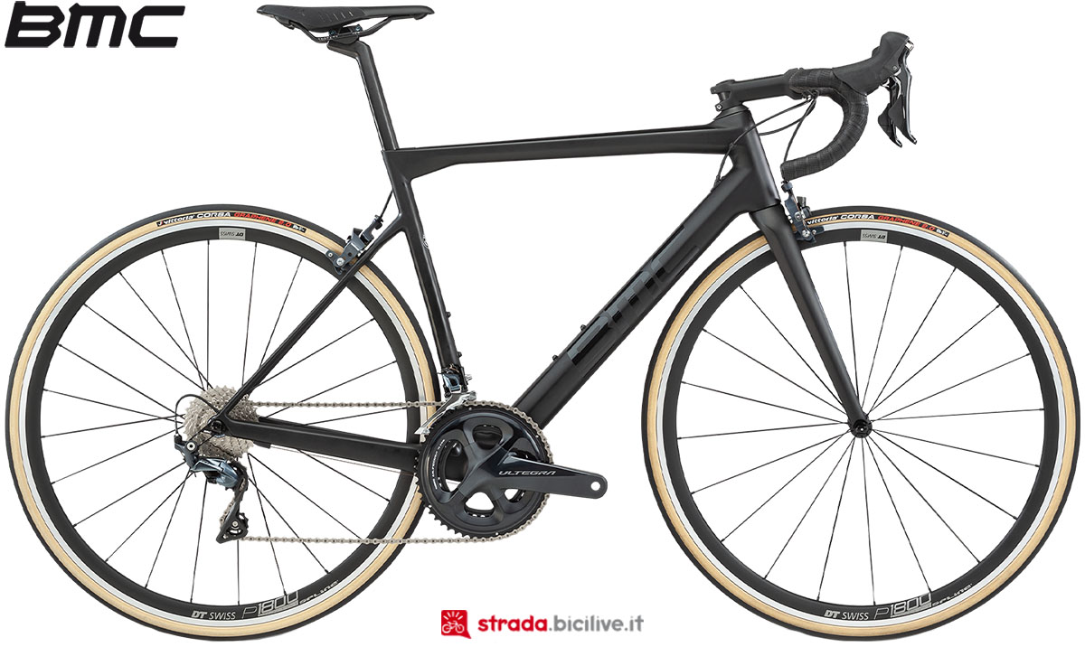 Una bici BMC Teammachine SLR01 Two 2020