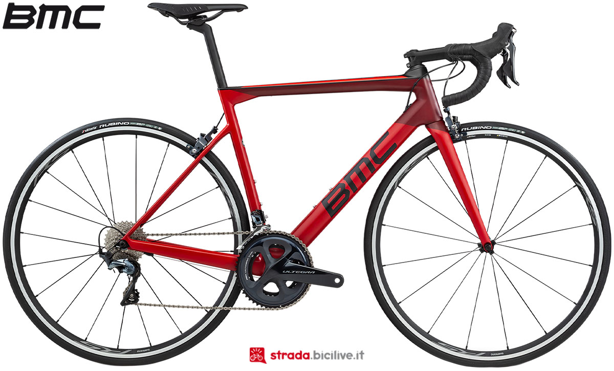 Una bici BMC Teammachine SLR02 Two 2020