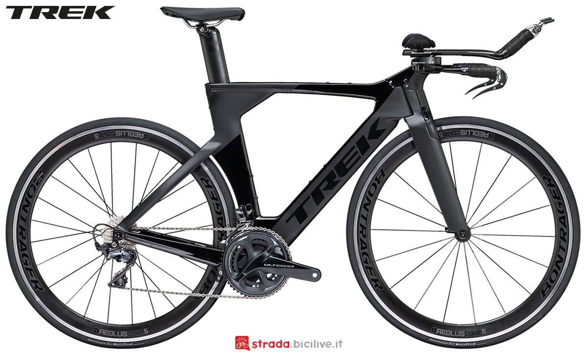 Una bici da triathlon e time trail Trek Speed Concept con cambio Shimano Ultegra