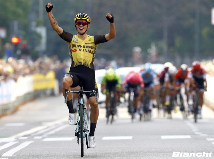 Primoz Roglic vince la Vuelta di Spagna 2019 in sella a una bici Bianchi
