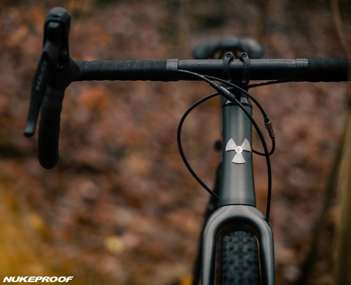 La forcella e telaio montati sulla bici Nukeproof Digger 2020