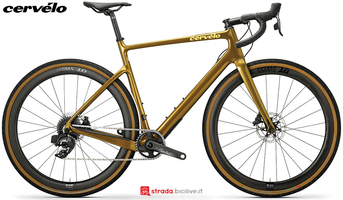 Una bici gravel Cervélo Aspero Disc 2020 con gruppo trasmissione SRAM RED eTap AXS