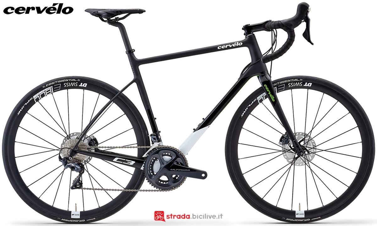 Una bici Cervélo C3 Disc 2020 con gruppo trasmissione Shimano Ultegra