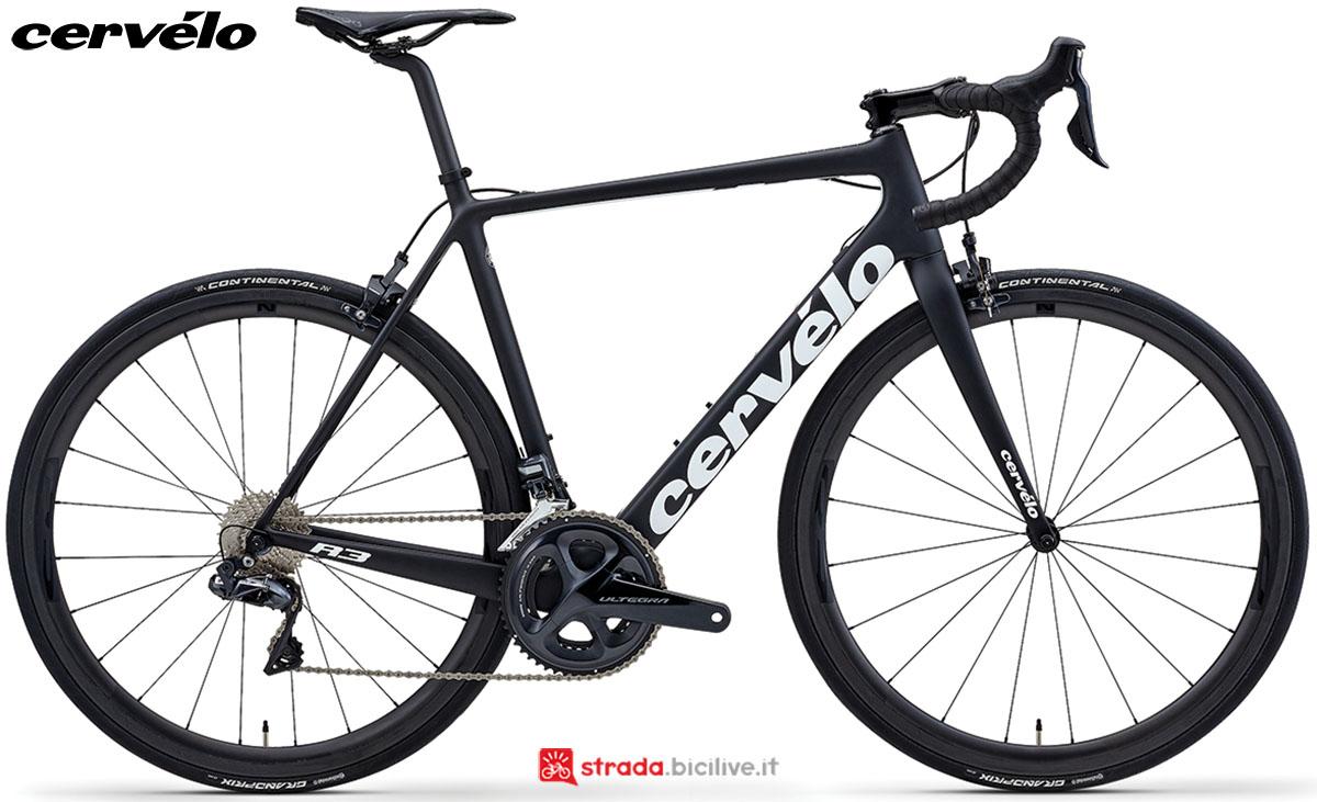 Una bici Cervélo R3 2020 con gruppo trasmissione Shimano Ultegra Di2