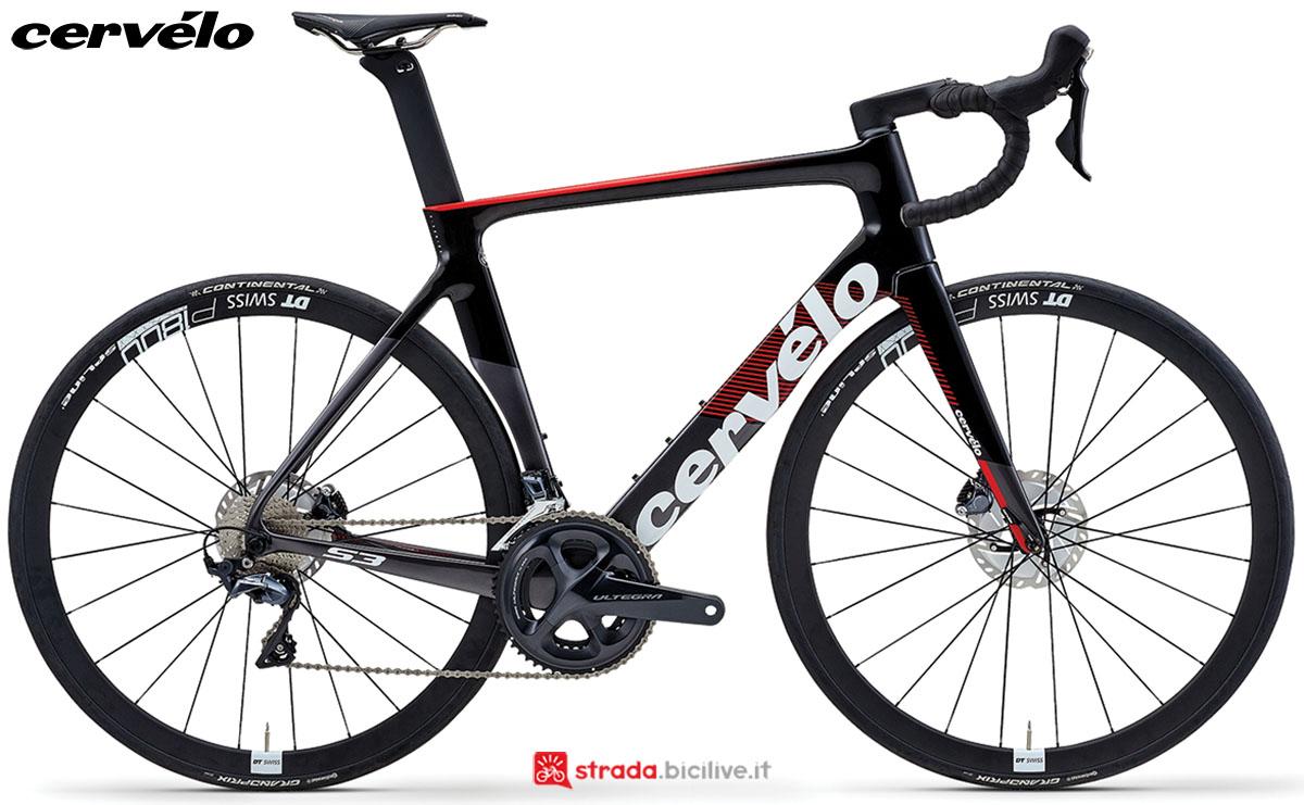 Una bici Cervélo S3 Disc 2020 con gruppo trasmissione Shimano Ultegra