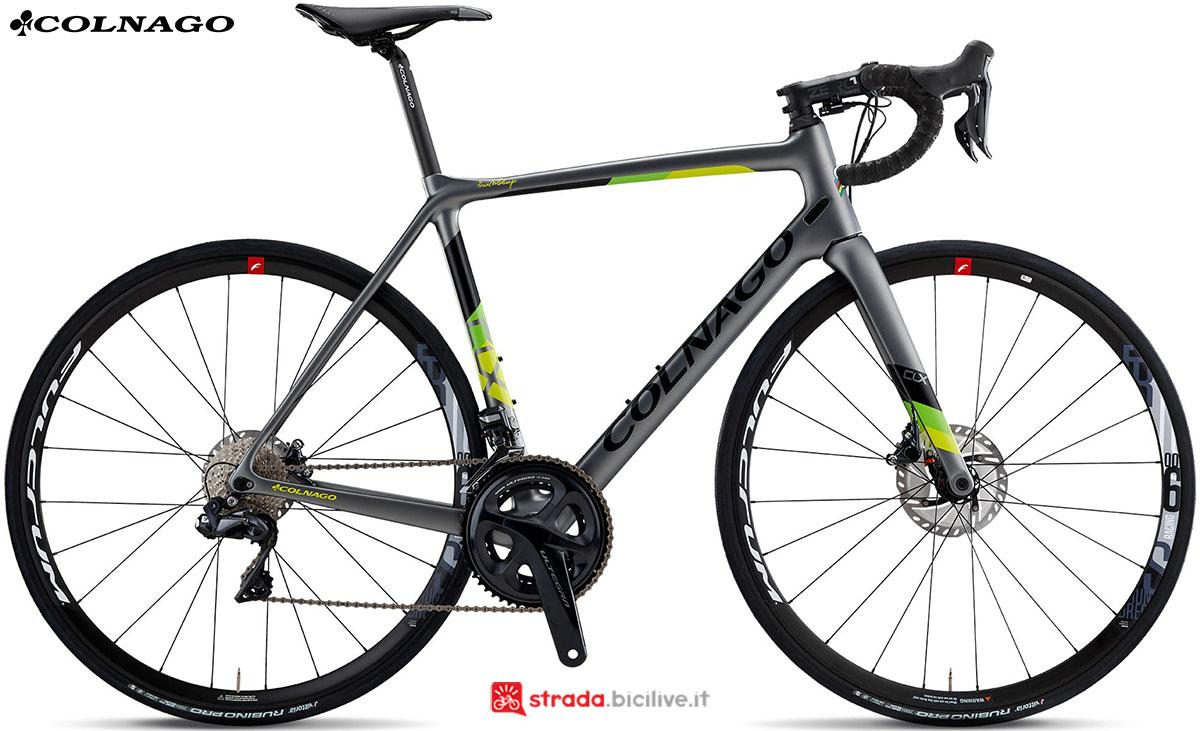 Una bici Colnago CLX Disc 2020