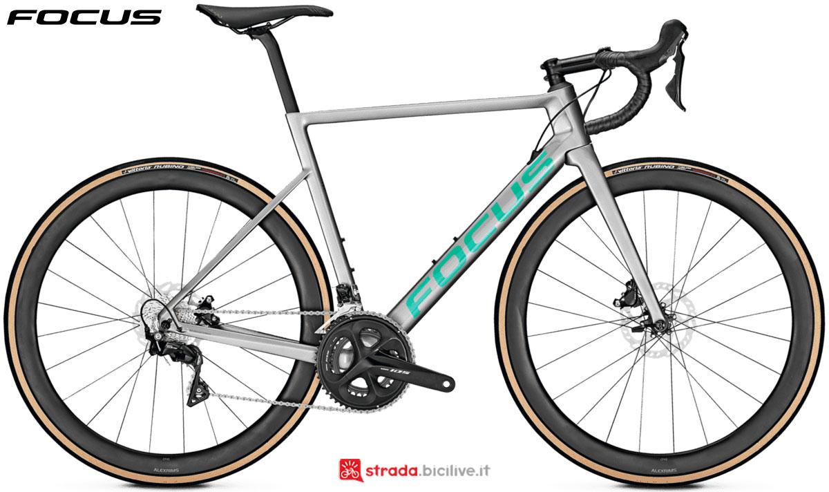 Una bici Focus Izalco Max 8.7 Disc 2020