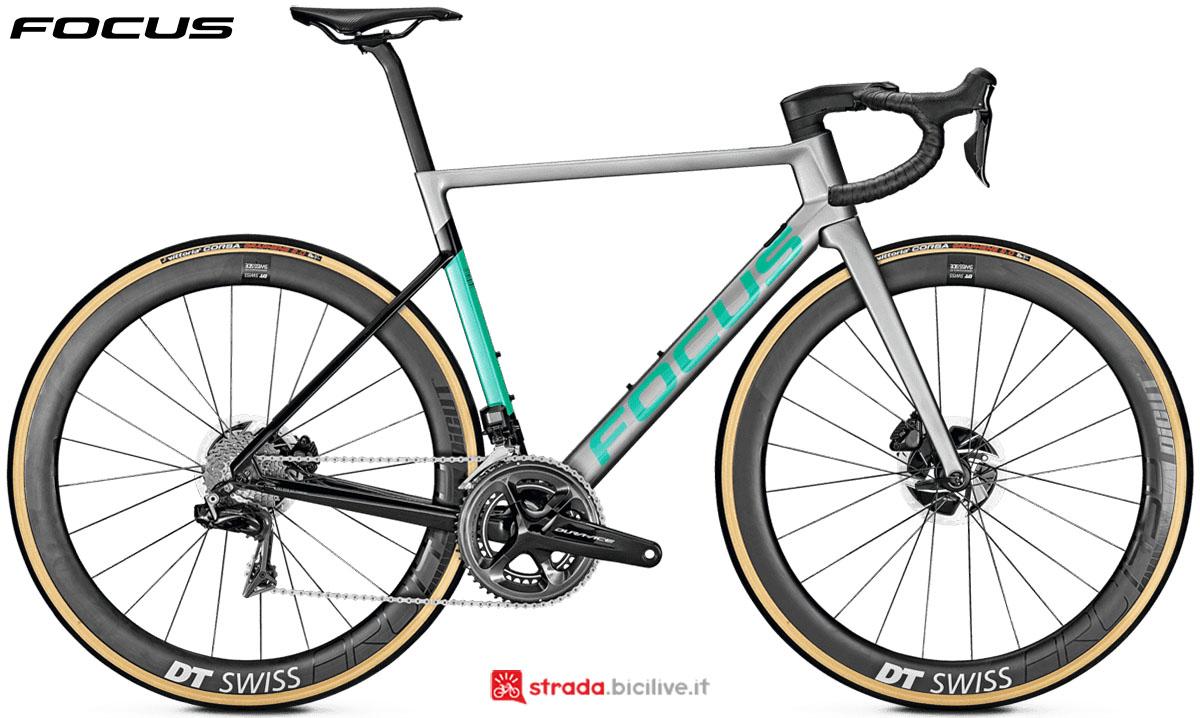 Una bici Focus Izalco Max 9.9 Disc 2020