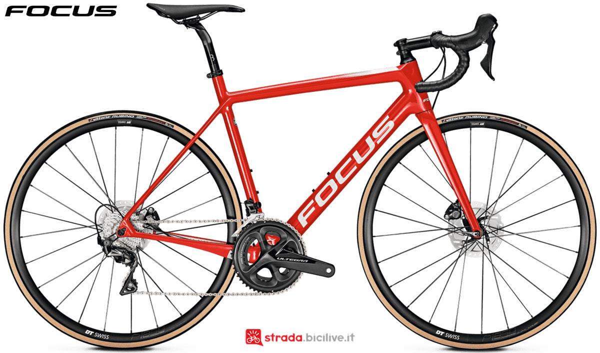 Una bici Focus Izalco Race Disc 9.8 2020