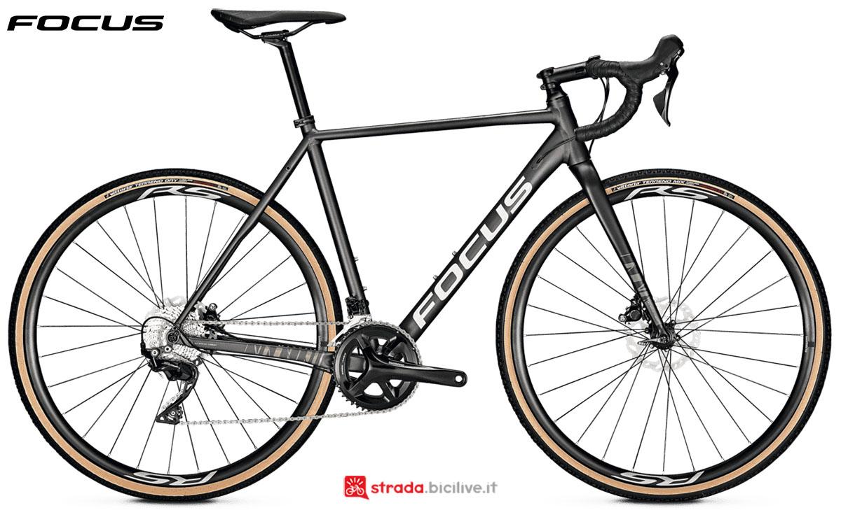 Una bici Focus Mares 6.9 Disc 2020